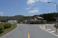 入り口交差点(右折)